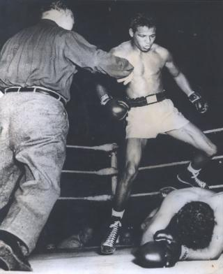 Sugar Ray Robinson vs Bernard Docusen