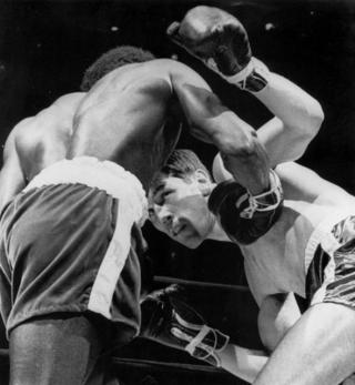 Emile Griffith vs Joey Archer